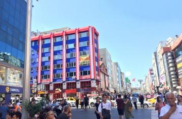 Bakırköy İstanbul Caddesinde Satılık Dükkan