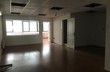 Esentepe'de Kiralık Ofis Katı